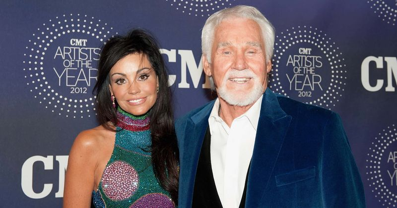 Kenny Rogers Found True Love With 5th Wife Wanda Millers Who S 28 Years Younger My Soul Mate